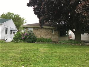 Photo of 3423 W Lynndale Ave, Greenfield, WI 53221 (MLS # 1640113)