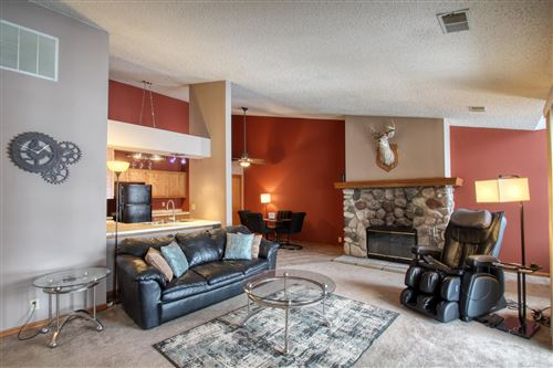 Photo of 757 Quinlan Dr #E, Pewaukee, WI 53072 (MLS # 1677278)