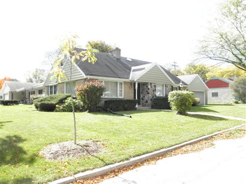 Photo of 10407 W Auer Ave, Wauwatosa, WI 53222 (MLS # 1715279)