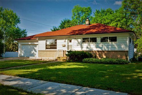 Photo of 1508 Doral Lane, Waukesha, WI 53188 (MLS # 1747305)