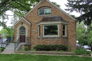 Photo of 4820 S 43rd St, Greenfield, WI 53220 (MLS # 1643325)