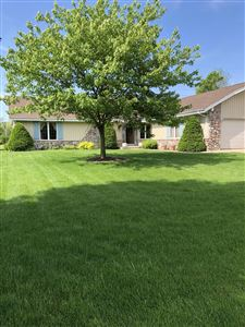 Photo of 8262 W Plainfield Ave, Greenfield, WI 53220 (MLS # 1641336)
