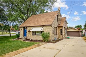 Photo of 4275 S 68th St, Greenfield, WI 53220 (MLS # 1649362)