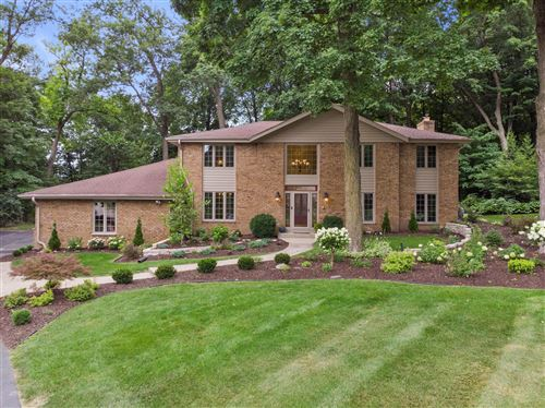 Photo of 18285 Le Chateau Dr, Brookfield, WI 53045 (MLS # 1754372)