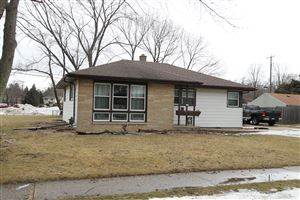 Photo of 225 N Kendrick Ave, Burlington, WI 53105 (MLS # 1626392)