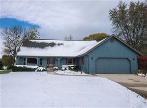 Photo of 4112 W Marseilles DR, Mequon, WI 53092 (MLS # 1666429)