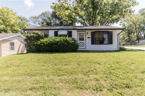 Photo of 401 N Hine Ave, Waukesha, WI 53188 (MLS # 1699443)