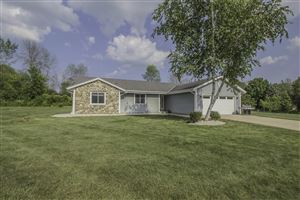 Photo of 12920 N Phillip Dr, Mequon, WI 53097 (MLS # 1650535)