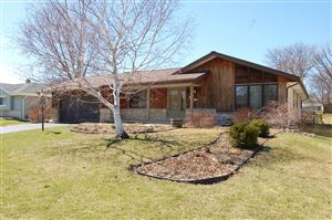 Photo of 6163 S 37th St, Greenfield, WI 53221 (MLS # 1630585)