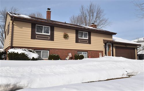 Photo of 1702 Sycamore Dr, Waukesha, WI 53189 (MLS # 1728646)