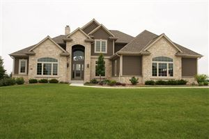 Photo of 724 Cheviot DR, Pewaukee, WI 53072 (MLS # 1532666)