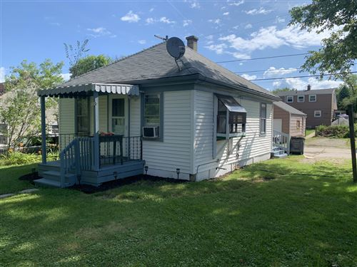 Photo of 3852 S 39th ST, Greenfield, WI 53221 (MLS # 1702694)