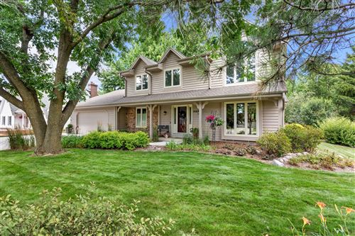 Photo of 3908 W Marseilles Dr, Mequon, WI 53092 (MLS # 1702724)
