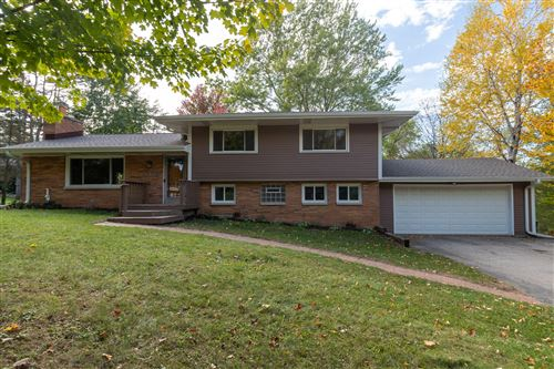 Photo of 1385 Hickory Hill, Brookfield, WI 53005 (MLS # 1768765)