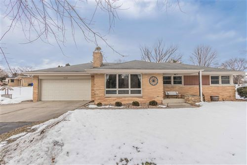 Photo of 16160 Keller Dr, Brookfield, WI 53005 (MLS # 1678788)