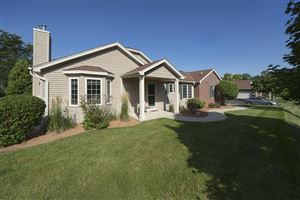Photo of 5128 S Hidden Dr, Greenfield, WI 53221 (MLS # 1654791)