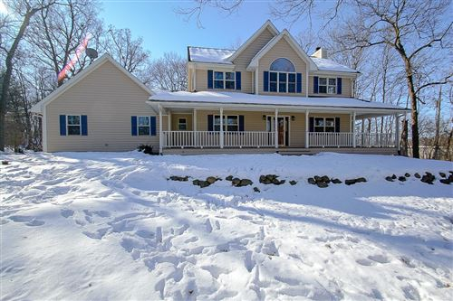 Photo of N59W28225 Ainsworth Rd, Merton, WI 53089 (MLS # 1678806)