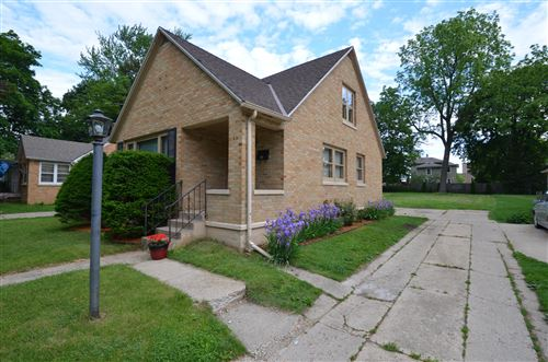 Photo of 956 W Conger St, Whitewater, WI 53190 (MLS # 1745951)