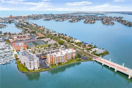 Photo for 500 TREASURE ISLAND CAUSEWAY #305, TREASURE ISLAND, FL 33706 (MLS # U8074041)