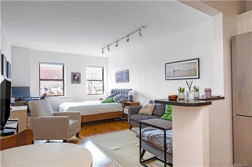 Photo of 186 W 80 Street #6E, New York, NY 10024 (MLS # H6060035)