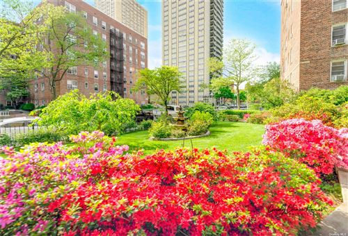 Photo of 67-11 Yellowstone Boulevard #5G, Forest Hills, NY 11375 (MLS # 3311303)