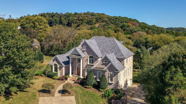 Photo for 389 Lake Valley Dr, Franklin, TN 37069 (MLS # 2199562)