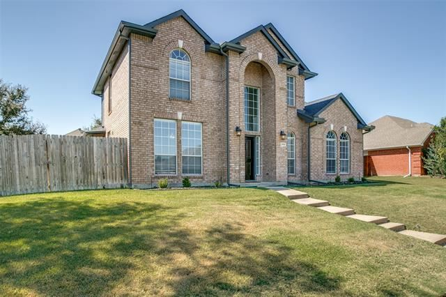 Photo for 3905 Valez Drive, Carrollton, TX 75007 (MLS # 14689006)