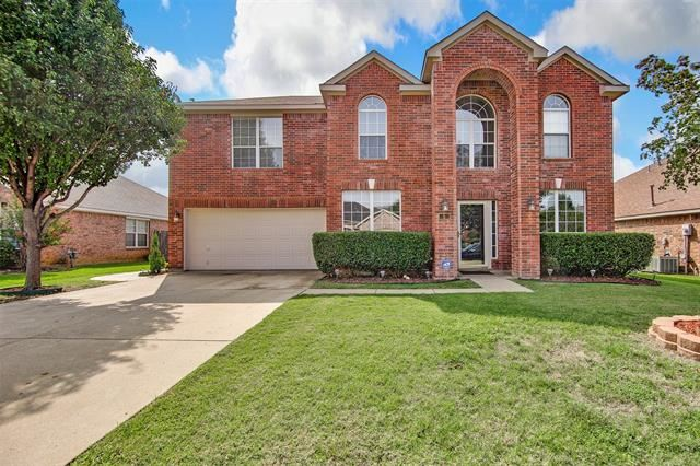 Photo for 5 Watergrove Court, Mansfield, TX 76063 (MLS # 14435049)