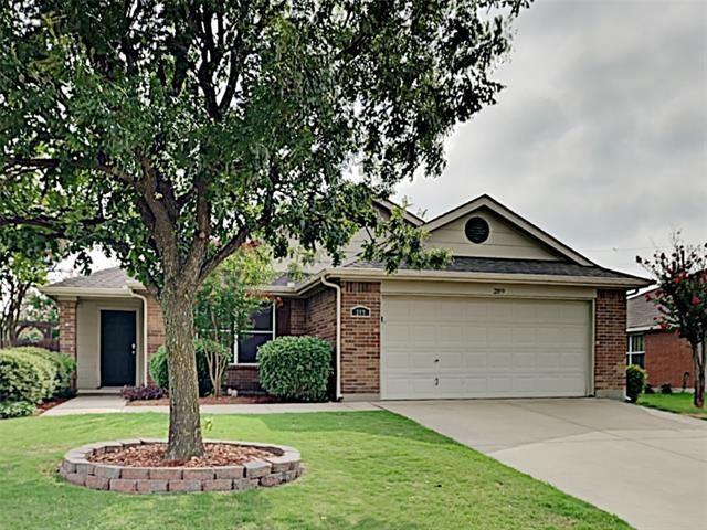 Photo for 209 Gayleh Lane, Waxahachie, TX 75165 (MLS # 14403051)