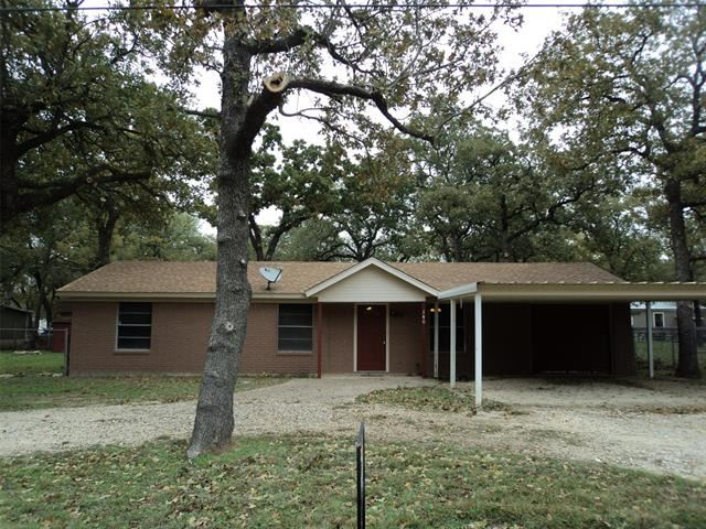 Photo for 140 Meredith Street, Whitney, TX 76692 (MLS # 14224118)