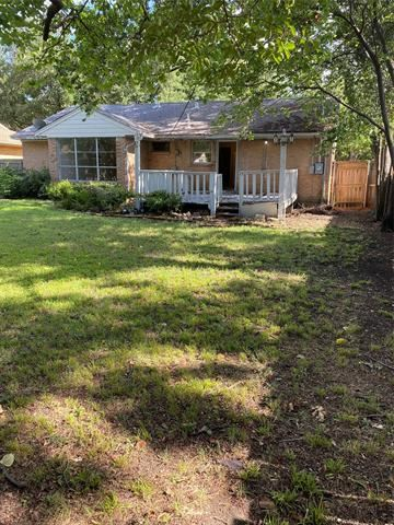 Photo of 636 Westwood Drive, Richardson, TX 75080 (MLS # 14404196)
