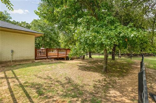 Tiny photo for 986 Eagles Way, Springtown, TX 76082 (MLS # 14417211)