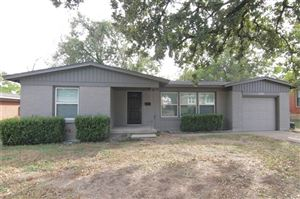 Photo of 6208 Woodbine Drive, Fort Worth, TX 76112 (MLS # 14210258)