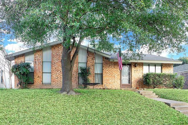 Photo for 10927 Listi Drive, Dallas, TX 75238 (MLS # 14498288)