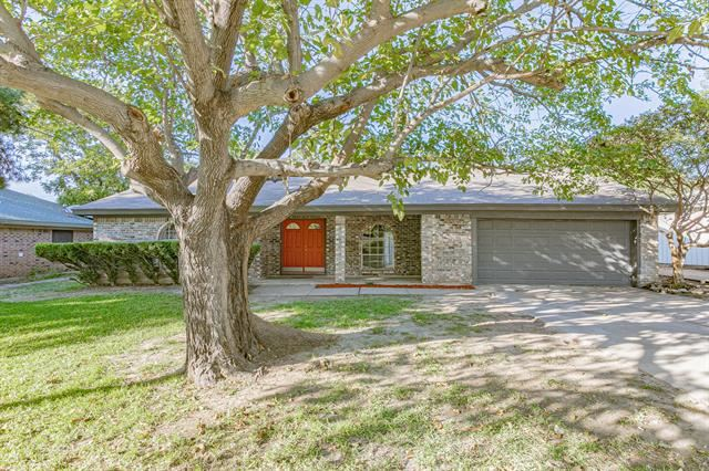 Photo for 1020 Black Street, Hurst, TX 76053 (MLS # 14455301)