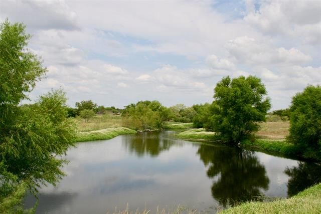 Photo for 5942 E State Highway 243, Kaufman, TX 75142 (MLS # 14570409)