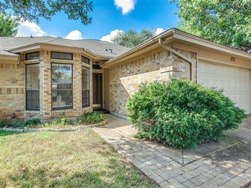Photo of 1725 Dorchester Street, Fort Worth, TX 76134 (MLS # 14674474)