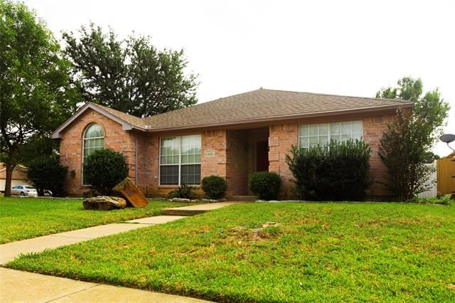 Photo for 1401 Signet Drive, Euless, TX 76040 (MLS # 14689502)