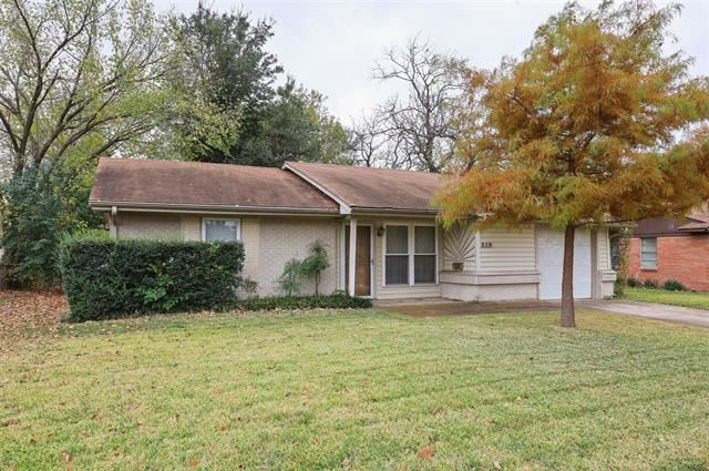 Photo for 210 E Chico Drive, Garland, TX 75041 (MLS # 14472508)