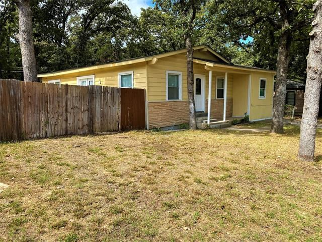 Photo for 5824 Capital Street, Forest Hill, TX 76119 (MLS # 14455530)