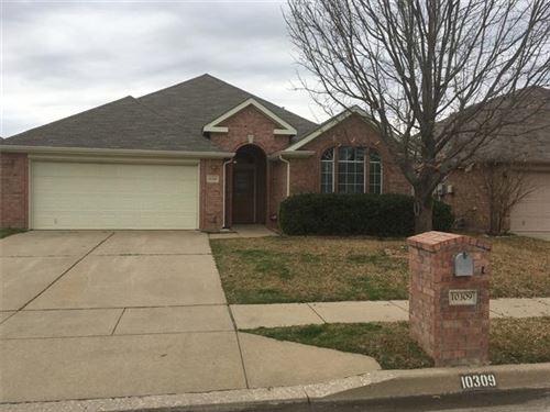 Photo of 10309 Jaybird Drive, Fort Worth, TX 76244 (MLS # 14285532)
