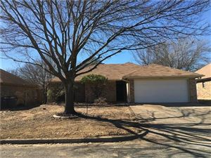 Photo of 7400 Glen Haven Drive, Fort Worth, TX 76133 (MLS # 13988594)