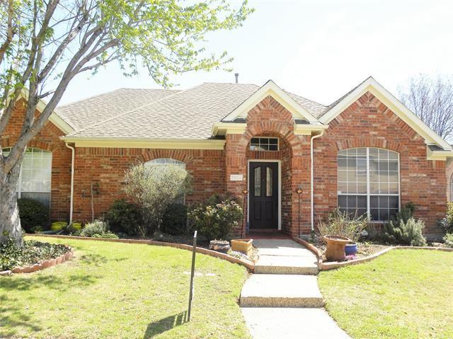 Photo for 7924 Hazeltine Drive, Plano, TX 75025 (MLS # 14267612)