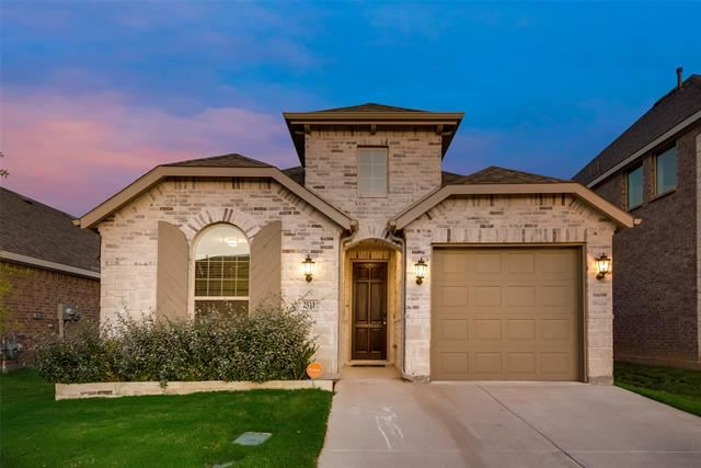 Photo for 2511 Pettus Drive, Forney, TX 75126 (MLS # 14433672)
