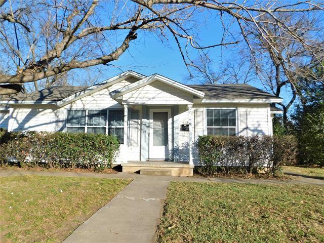 Photo for 1124 Coit Street, Denton, TX 76201 (MLS # 14494672)
