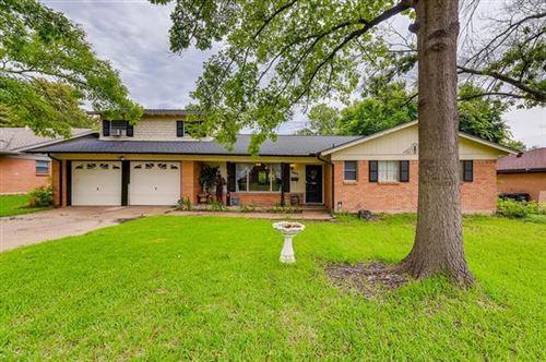 Photo of 3424 Wren Avenue, Fort Worth, TX 76133 (MLS # 14586739)