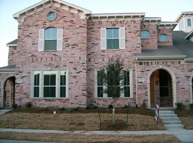 Photo for 505 Legends Drive, Lewisville, TX 75057 (MLS # 14091816)