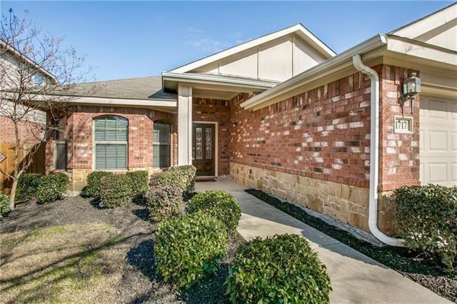 Photo for 1717 Bluebird Drive, Little Elm, TX 75068 (MLS # 14137910)
