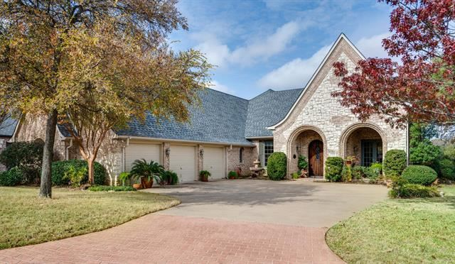 Photo for 3121 Vista Heights Lane, Highland Village, TX 75077 (MLS # 14498915)