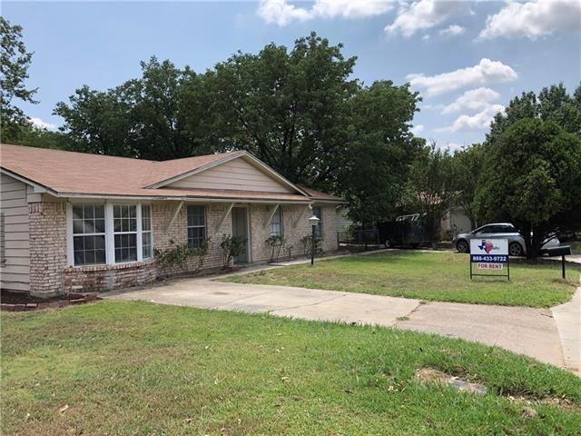 Photo for 514 Campbell Lane, Denton, TX 76209 (MLS # 14182951)
